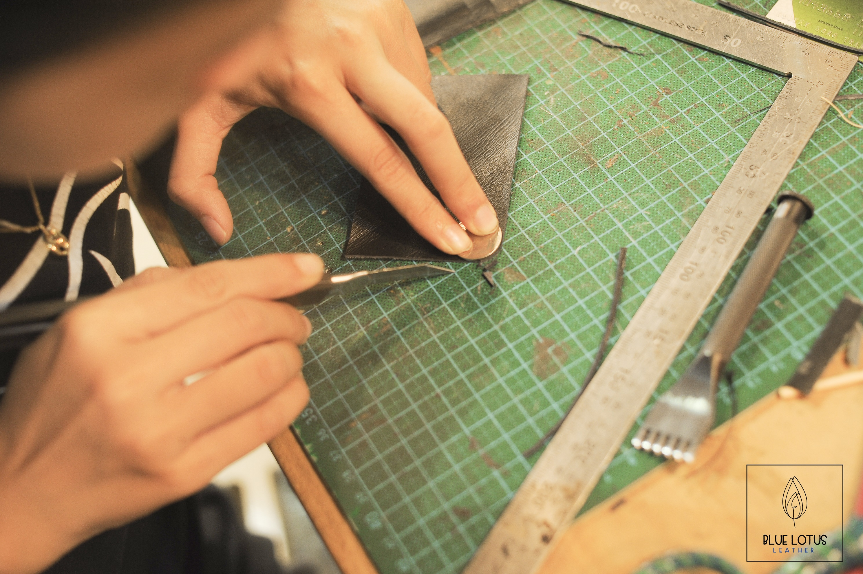 how to make DIY leather handmade men wallet; how to make DIY handmade leather men wallet; DIY; LEATHER; men wallet; handmade; blue lotus leather; leather men wallet; how to make DIY leather handmade men wallet